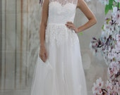 New Design Lace Applique with Crystal Beadings Wedding dress, scoop neck bridal gown