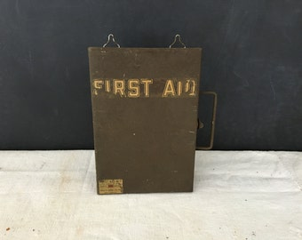 Vintage Metal First Aid Box - Medical Box - FIrst Aid Kit - Army - Doctor - Nurse - Display - Bin - Wall Hanging - Prop - Military