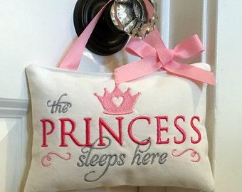 Baby Sleeping sign, Door hanger, Embroidered door sign, Quiet please sign, Princess sleeping sign, Baby girl gift, Baby shower gift
