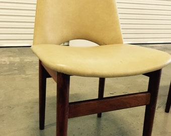 4 x Dining Chairs - Vintage Vinyl & Very practical! Parker Mid Century Chiswell Style