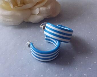 Vintage Striped Lucite Earrings Plastic Earrings Cornflower Blue and White...Pretty!