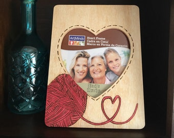 """Ball of Yarn 5.19"""" x 5.1"""" picture frame"""