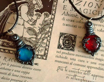 Health and Mana potion necklace, Dungeons and Dragons inspired