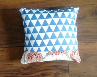 Versailles cushion