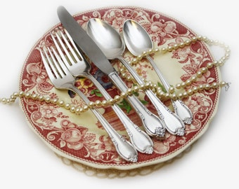 5 Piece Place Setting, Rogers Remembrance, Silver Plated, Shabby Chic Elegant Dining, Floral Flatware, Rustic Silverware, Knife, Fork, Spoon
