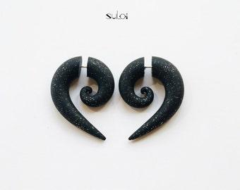 Fake gauge earrings black glistening fake plugs fake gauges