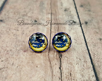 Moon and Star Earrings, 12mm Round Glass Cabochon Earrings, Blue Earrings, Celestial Earrings, Trendy Earrings, Man in the Moon Earrings