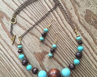 turquoise and wood beaded necklace set