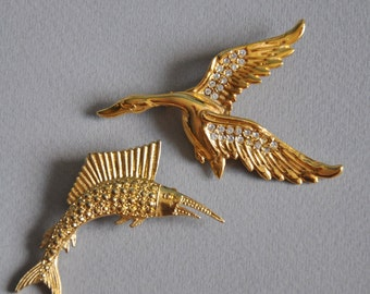 Vintage gold tone brooches, animal brooches, 80s brooch, gold tone pin