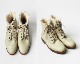 vintage esprit leather ankle boots / ecru leather combat boots / size 7