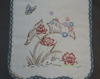 Vintage Table Runner or Dresser Scarf Embroidered Water Lilies Handmade Vintage 1940s Linens, 38 x 14 inches