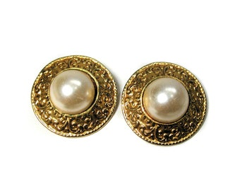 80s Baroque Earrings, Gold Tone Faux Pearl Button Earrings, Pearl Earrings, Gold Tone Clip Earrings, Glam Earrings, 80s Earrings