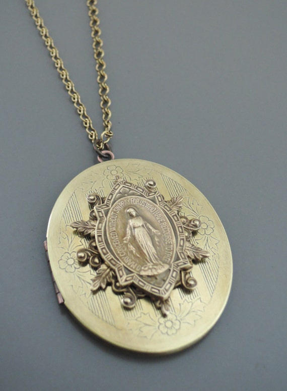 Vintage Locket Virgin Mary Necklace Catholic Necklace. Premier Designs Jewelry Jewellery. Nagercoil Jewellery. Hand Stamped Jewellery. British Museum Jewellery. Feather Gold Jewellery. Ball Gown Jewellery. Adaa Jewellery. Rabhyaa Jewellery