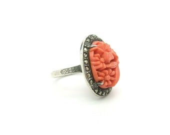 Art Deco Ring. Coral Czech Glass Daisy Flowers, Marcasites, Sterling Silver.  Vintage 1930s Art Deco Jewelry.  Size 6.25