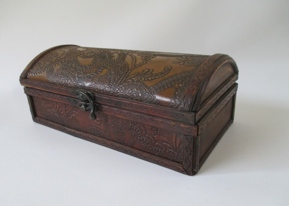Box vintage wood embossed glove handkerchief jewelry trinket
