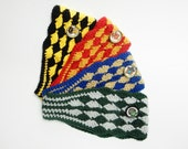 Show off your Hogwart's House Colors with this stylish earwarmer/headband (Diamond pattern)