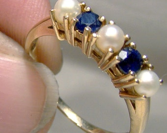 10K Sapphires and Pearls 5 Stone Row Ring 1960s 10 K Size 8