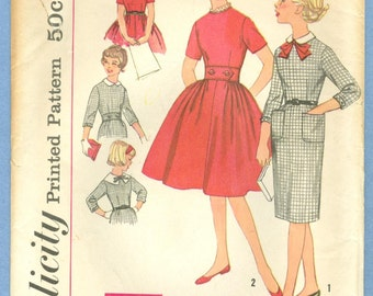 1959 Girl's Dress with Two Skirt, Belt and Detachable Collars Size 8 - Vintage Simplicity Sewing Pattern 3176