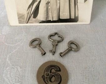 3 Itty Bitty Skeleton Keys...Steampunk Keys...Padlock Keys...Jewelry Making...Altered Art...Lot 6
