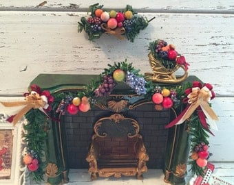Miniature Della Robbia Christmas Garland Set, Dollhouse 1:12 Scale Miniatures, Set Includes Fireplace Garland, Swag and Sled