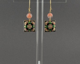 "Dangling earrings asian inspiration. Black square varnished beads. Pink and translucent round flat beads. ""Sakura"""
