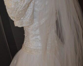 2/ Tulle Skirt Wedding Dress / Ball Gown / Wedding Gown / White Dress / Beaded Dress / Tulle Skirt / Sweep Train / White / Short Sleeve / 2