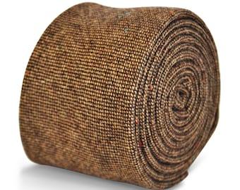 Frederick Thomas mens wool tweed tie in plain squared brown design FT3151
