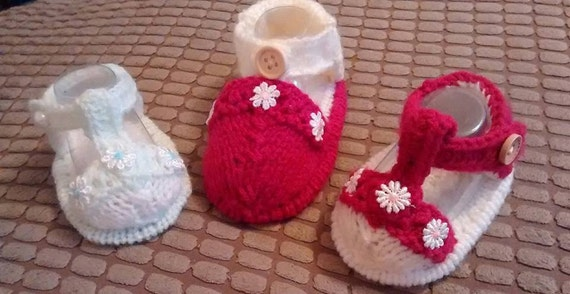 Baby Knitting pattern set of 2 full toe capped baby sandals sizes prem to 6mths