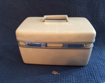Vintage Samsonite Train Case with Key and Tray/Vintage Cosmetic Case/Royal Traveller Medalist