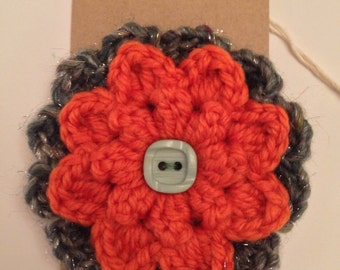 Green Button crochet flower brooch