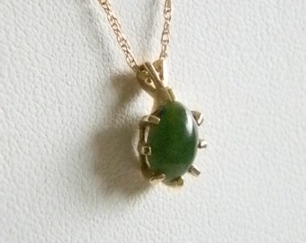 10K Gold Chain with Green Jade Like Stone Pendant Necklace