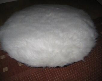 Cozy round dog bed