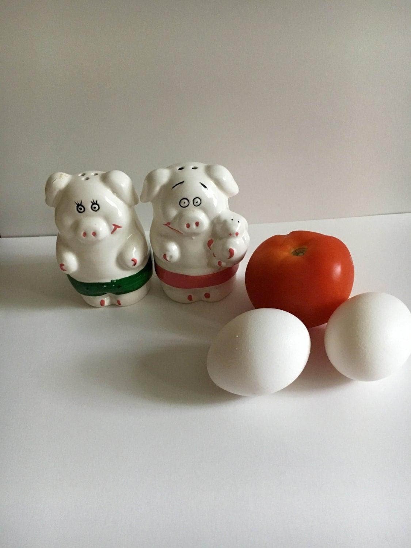 Vintage Mr And Mrs Pig Salt Pepper Shaker Set Adorable