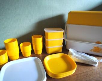 Vintage Keter Plastic Yellow x White Picnic Set / 60s 70s