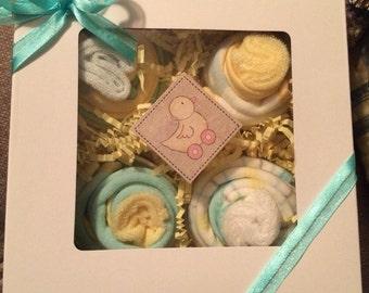 4 Baby Bib Cupcakes Luvspun Neutral Boxed Set Shower Gift