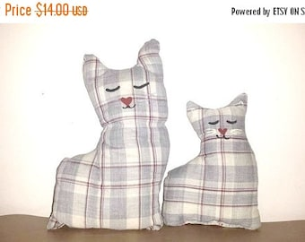 Vintage Plaid Stuffed Cat, Set of 2,Cat Throw Pillows,Cat Plushies,Hand Crafted Cats,Cloth Cat,Kitten,Shabby,Country Chic,Handmade Cat,Plaid