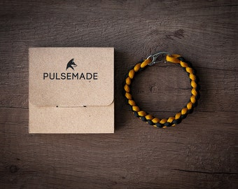 Men's Women's bracelet-mustard-black unisex-Pulsemade Weave Collection-Handmade paracord 550 Bracelet Mens-Womens Goldenrod-Black