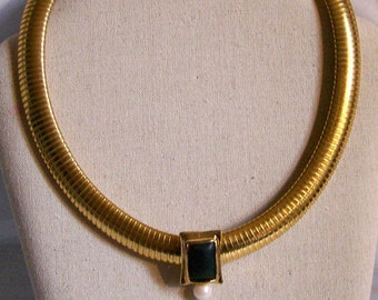 Doncaster Gold Tone Mesh Flex Choker Necklace with Slide Pendant Flexible Collar Necklace Collectible Jewelry