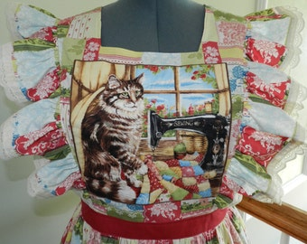 Quilted Purfection, Cat Theme pinafore apron, size Large.