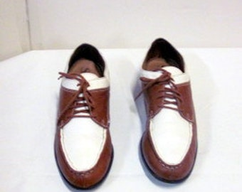 sz 7.5 b  vintage women brown and white leather lace up Oxford shoes SAM LIBBY label