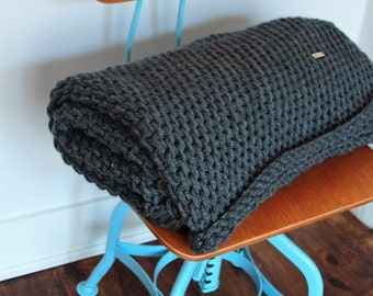 chunky knit decke etsy. Black Bedroom Furniture Sets. Home Design Ideas