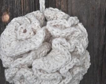 Small crochet bath puffs