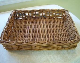 Vintage large wicker basket/Natural color wicker basket/Wicker serving tray/Storage and organization/Coastal or beach decor/Rustic decor