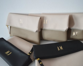Set of 5 Monogrammed Clutches / Bridesmaids Gift / Personalized Evening Clutch Bag / Wedding Accessories