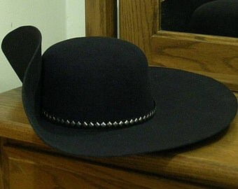 Black Felt Cavalier Hat - Steel Brooch - Faux Leather Hatband - Silver Stud