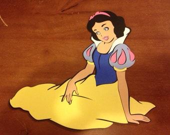 Sitting Snow White die cut