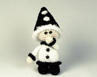 Mini Pierrot, amigurumi crochet pattern