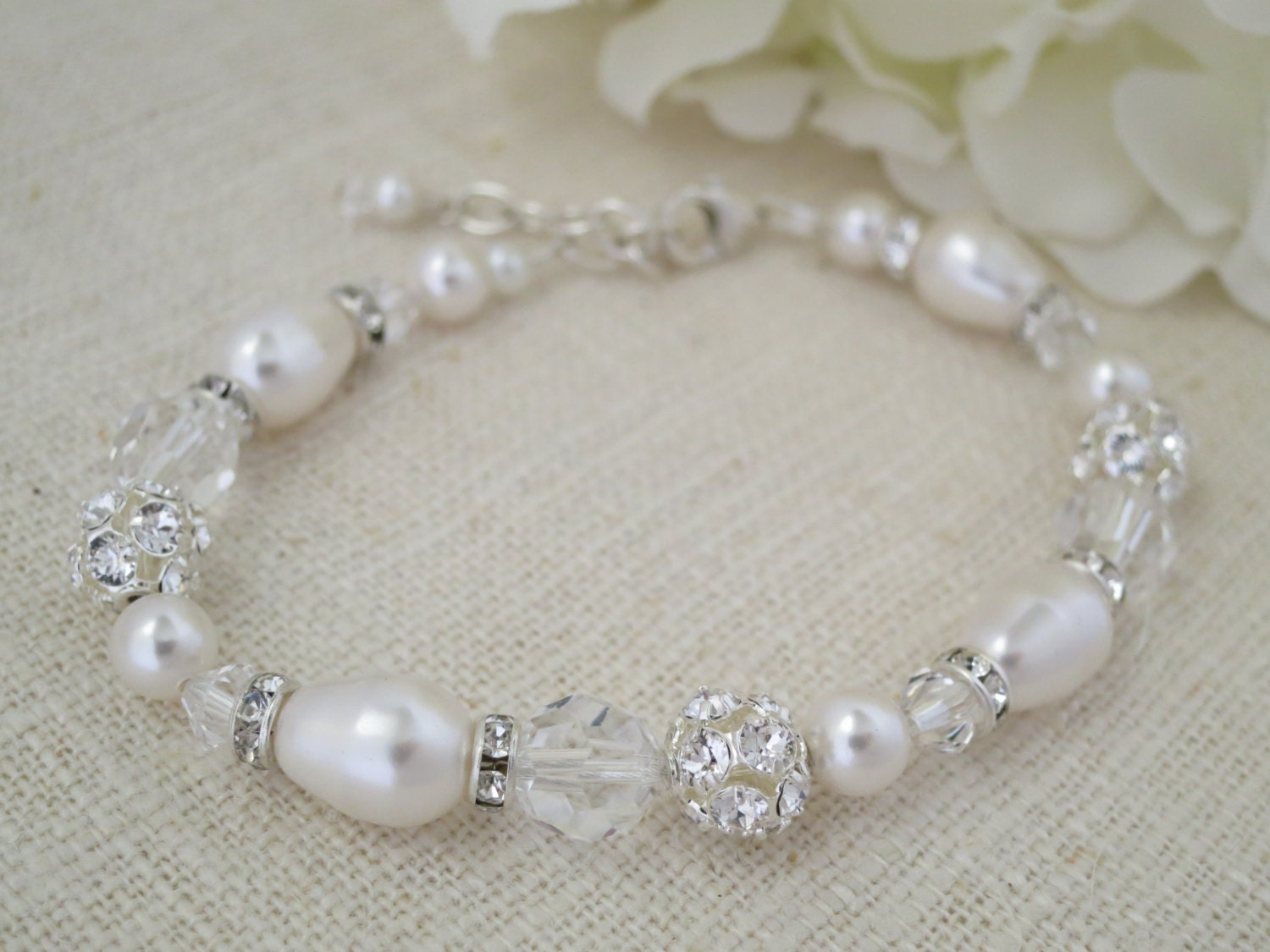Swarovski crystal and pearl bridal bracelet, Pearl teardrop wedding bracelet