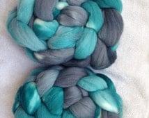 Merino combed top, roving, hand dyed spinning fiber, felting fiber, thrums, 100g, 'Jack Frost'