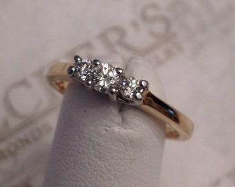 Vintage 14k yellow gold & platinum 3 Round Brilliant Cut Diamond Engagement Ring, .26 tw J-I1 size 5.5 Trellis Top